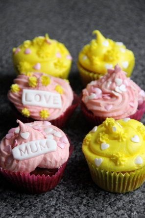 Customised Mothers day Cupcakes