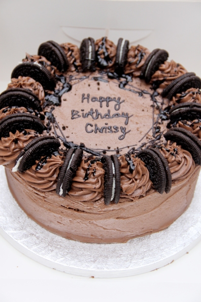 SET Oreo Cake with a personalised message
